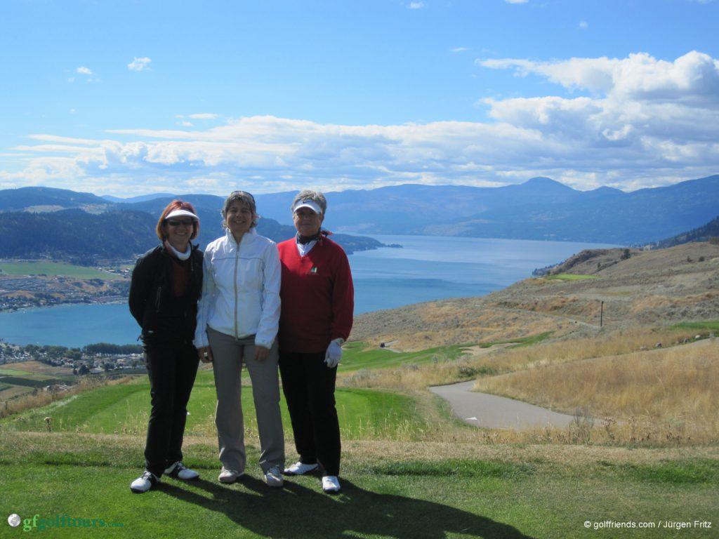 Blick auf Vernon und den 120 km langen Okanagan Lake