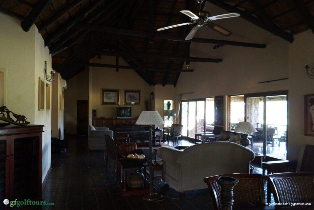 Unser gemeinsames Wohnzimmer mit Terrasse.