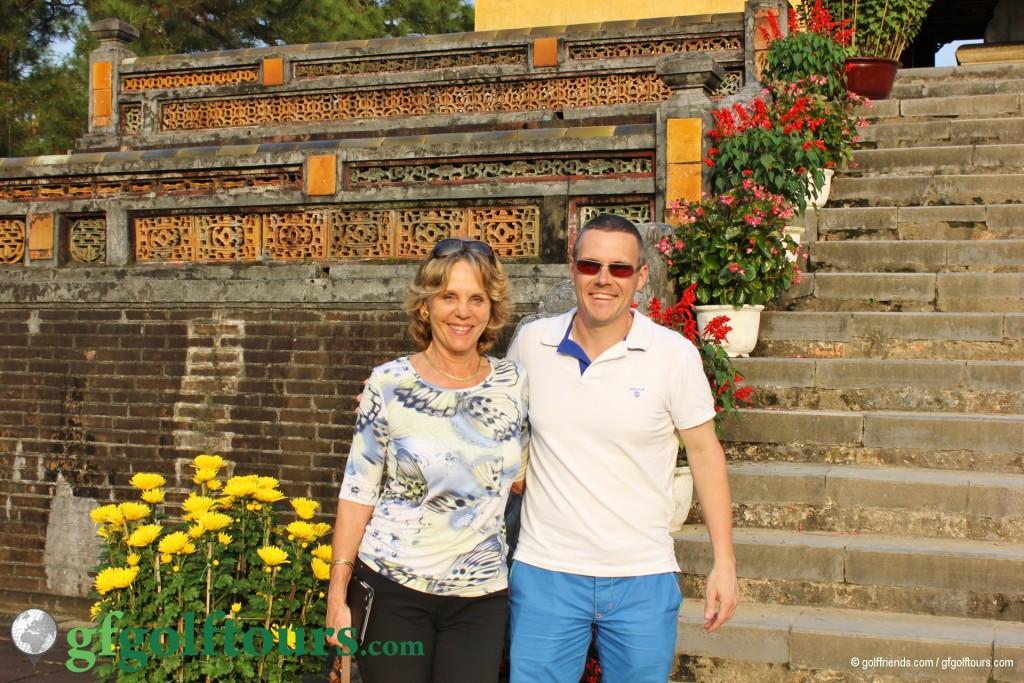 Gosia und Sandro genießen Kultur und Sonnenschein.