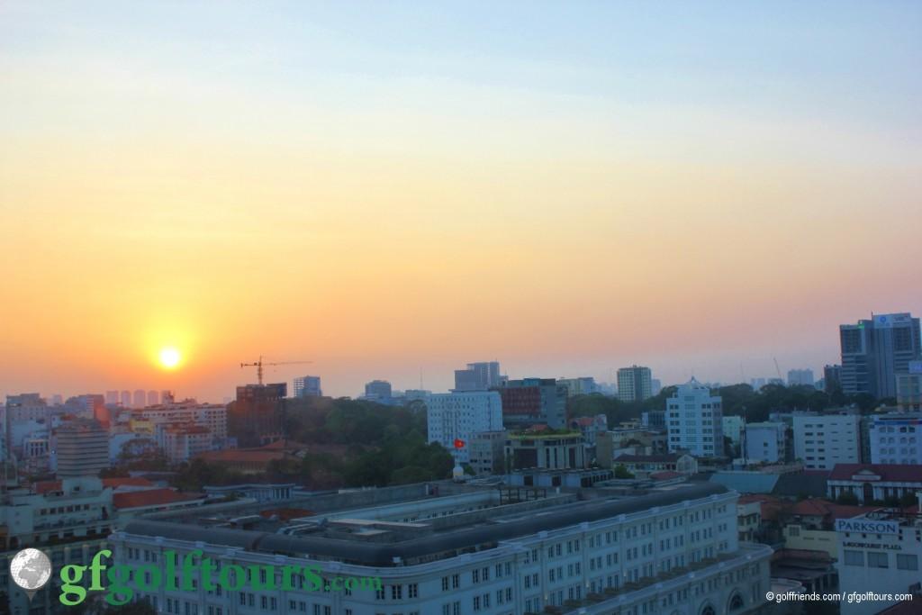 Sonnenaufgang über die Stadt.