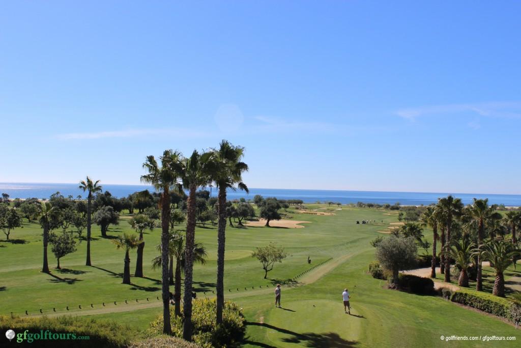Quinta da Ria, Abschlag mit Blick aufs Meer.
