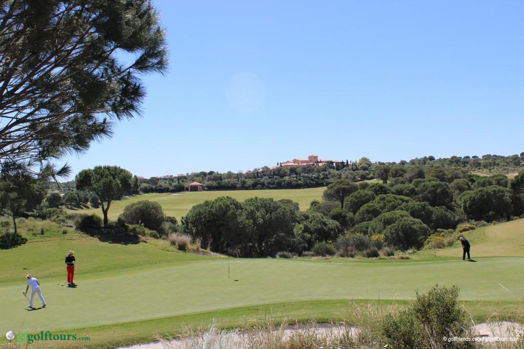 Monte Rei – Blick auf Golfplatz und Clubhaus.
