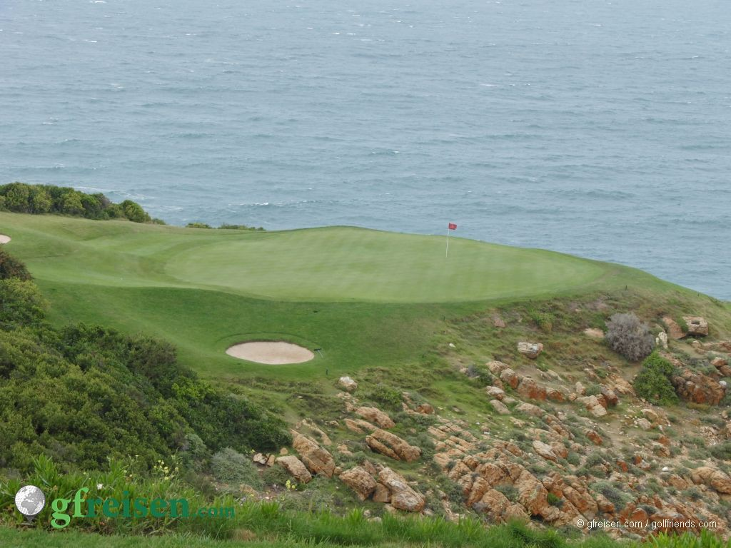 tolles Panorama und spielen entlang der Küste, toll