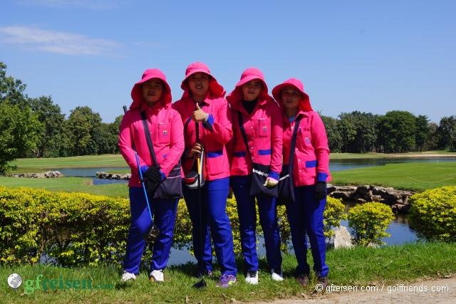 Caddies im Nichigo Resort.