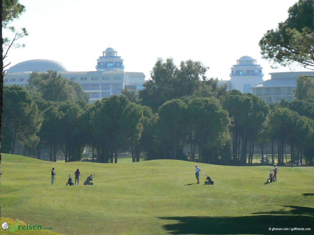 Unser Hotel Sueno Deluxe im Hintergrund.