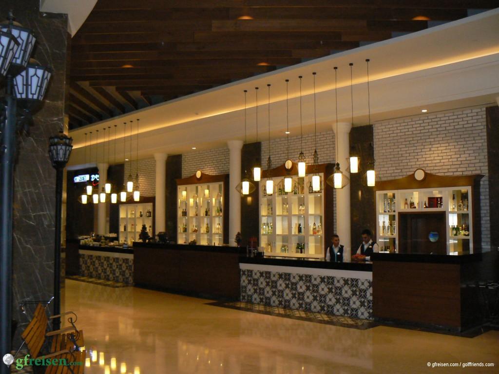 Eine der zahlreichen Bars im Sueno Deluxe Hotel.