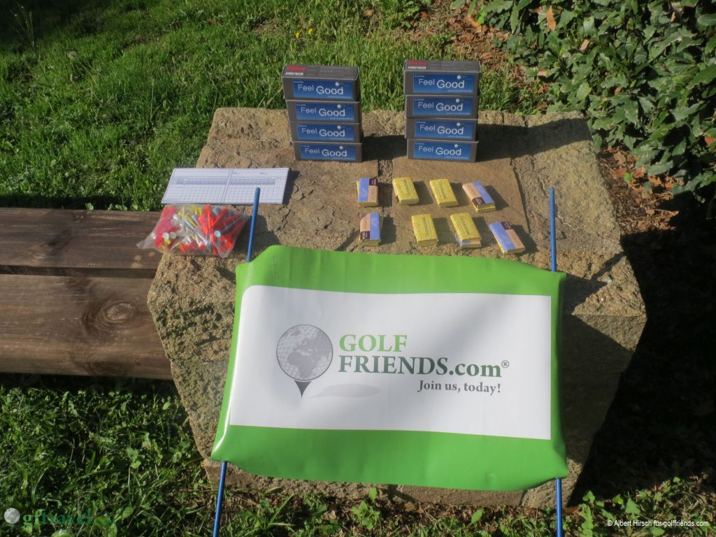 Marschverpflegung und Tee-Geschenke am ersten Abschlag