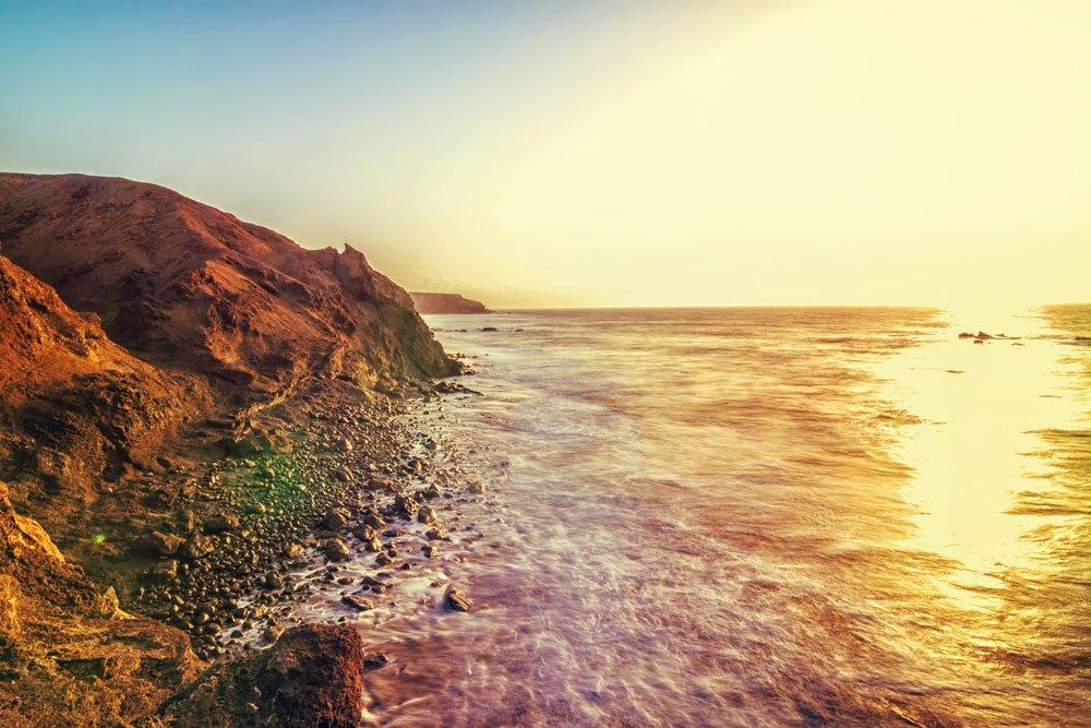 Golf-Gruppenreisen: Fuerteventura (Kueste bei Sonnenuntergang)