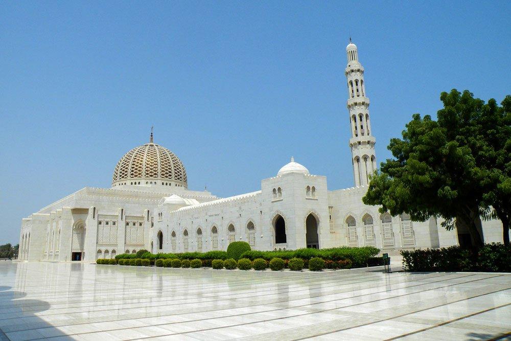 Golf-Gruppenreisen: Sultanat Oman (Sultan Qaboos Großmoschee)