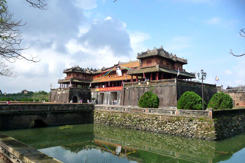 Golf-Gruppenreisen: Vietnam & Kambodscha (Minh Mang's Tempel)