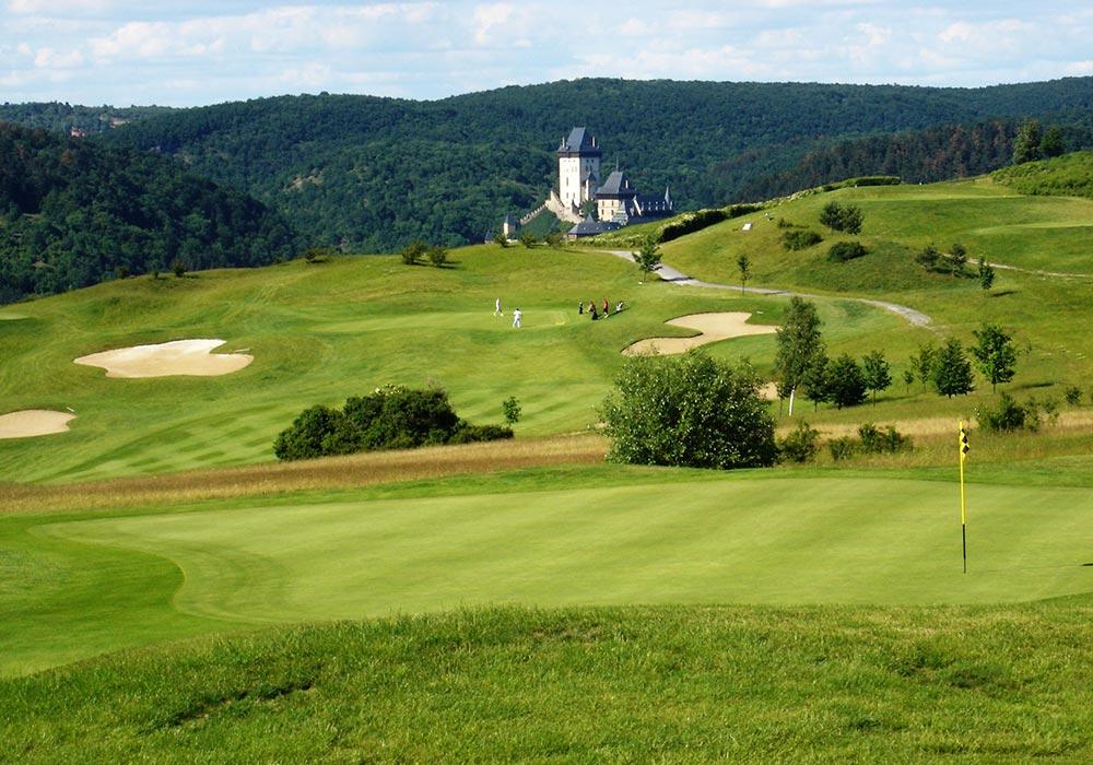 Golf-Gruppenreisen-Prag-Karlstejn-Golfclub-Panorama